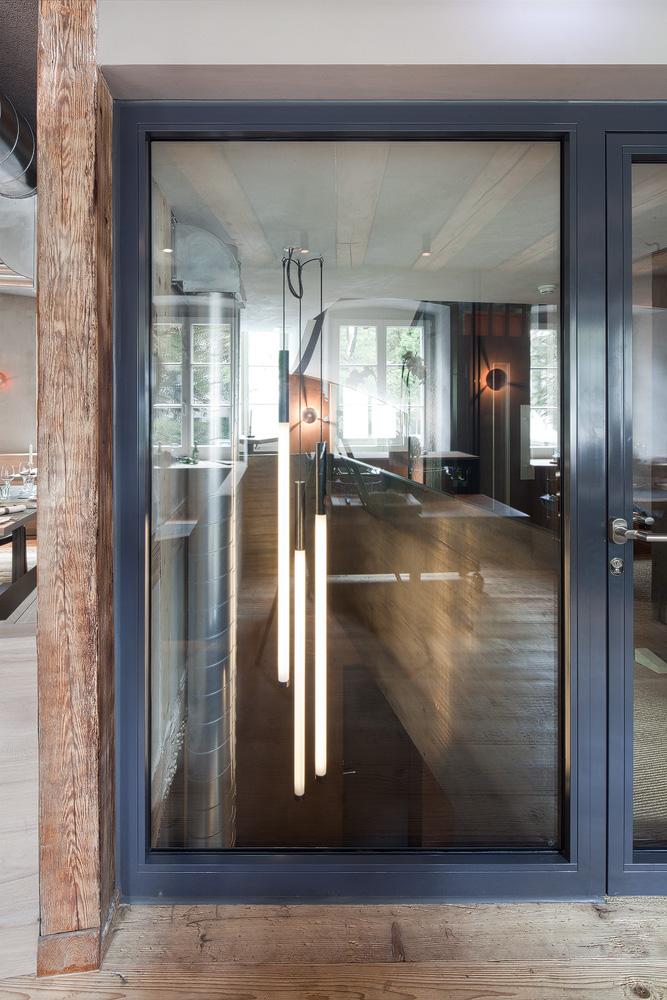 Lukas Schaffhuser Architekturfotografie Zuerich BuildInc Architekten Goldener Stern Leuchten