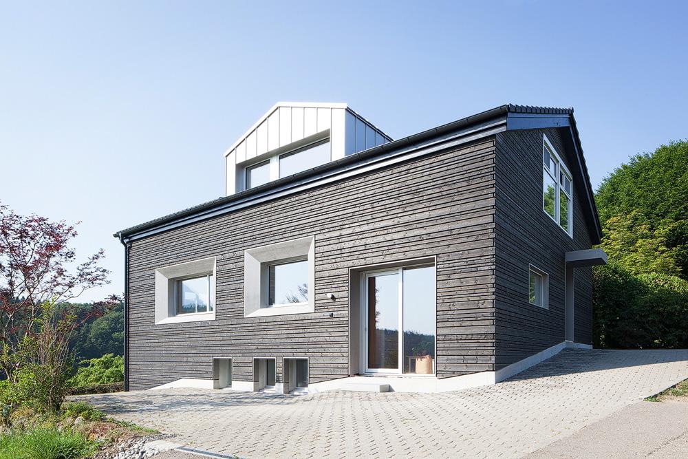 Lukas Schaffhuser Architekturfotografie Zuerich Stereo Architektur Umbau EFH-Moos Fassade Nord Ost