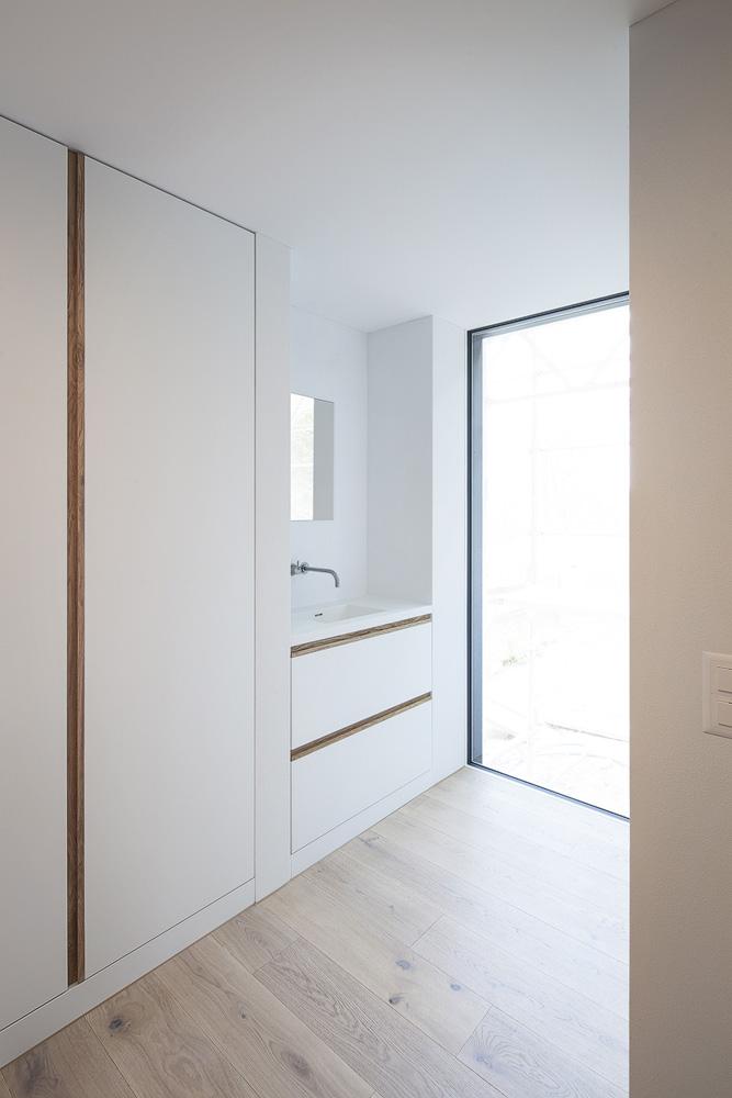 Lukas Schaffhuser Architekturfotografie Zuerich Stereo Architektur Umbau EFH-Moos Garderobe