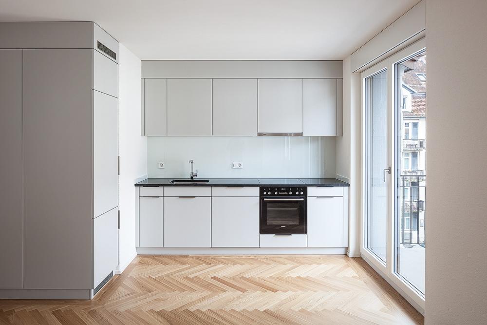 Lukas Schaffhuser Architekturfotografie Zuerich Nimbus Architekten Saentisstrasse Zuerich Treppenhaus Kueche