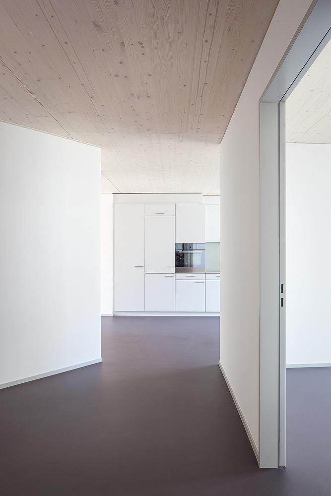 Lukas Schaffhuser Architekturfotografie Zuerich Haltmeier Kister Schneebeliweg Kueche 03