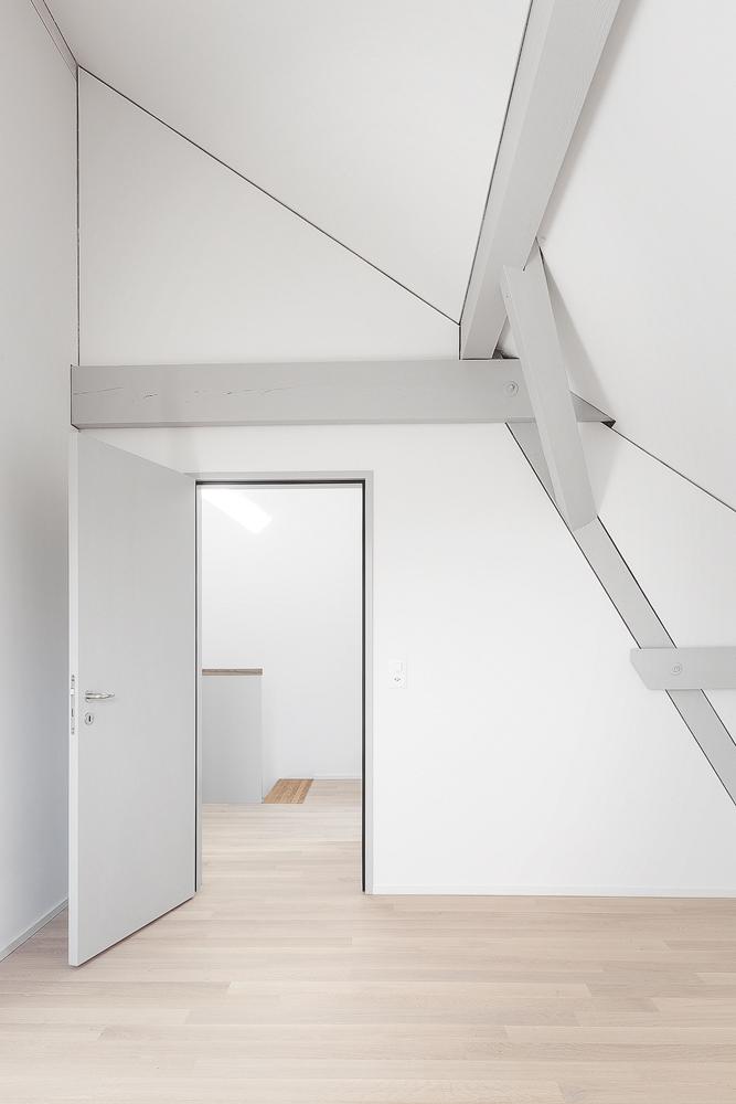 Lukas Schaffhuser Architekturfotografie Zuerich Haltmeier Kister Waschhuesli Zimmer