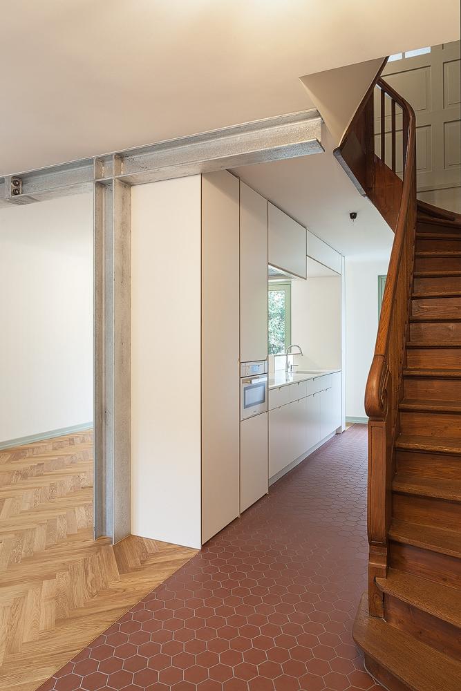 Lukas Schaffhuser Architekturfotografie Zuerich Stereo Architektur Reiterstrasse Basel Kueche 1